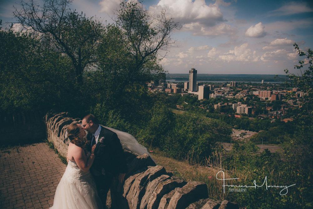 journalistic wedding photographer