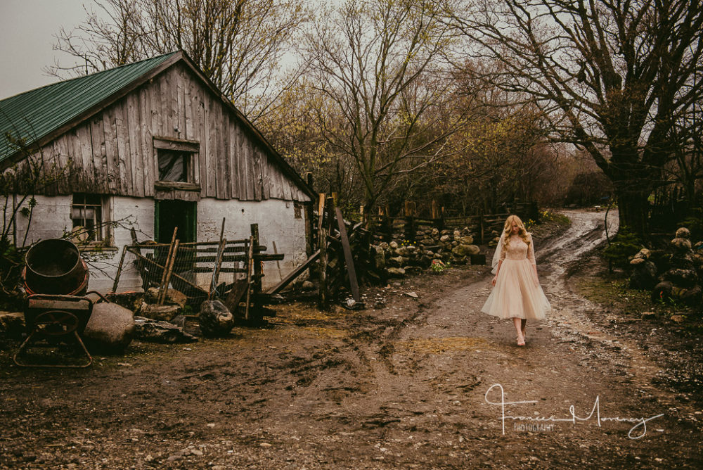 Eigensinn Farm Documentary Wedding Photography