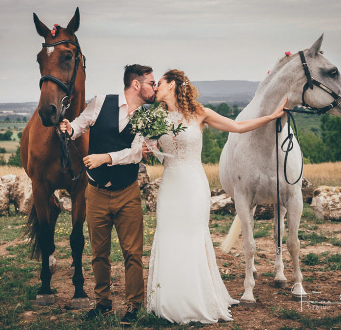 Thornbury and Collingwood Wedding Photography with Horses