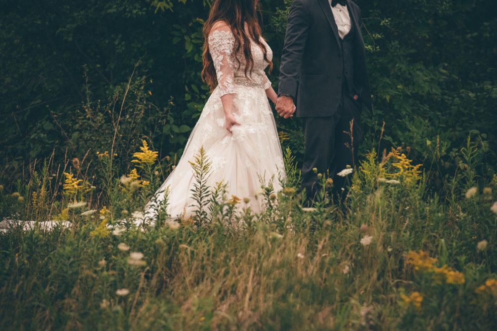 Lora Bay Thornbury Wedding Photographer
