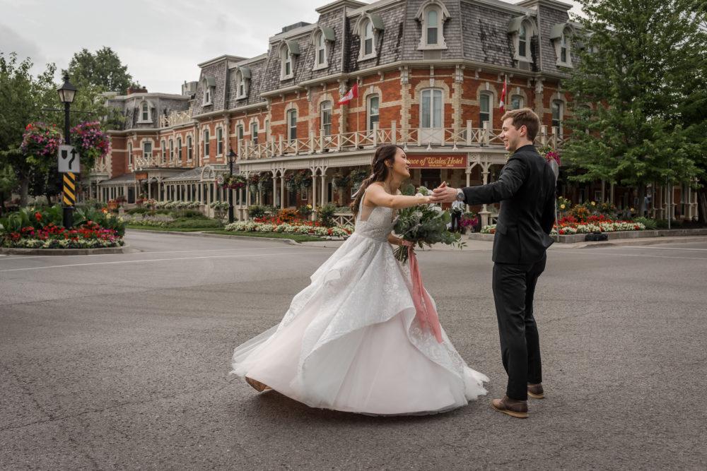 bride twirling in niagara