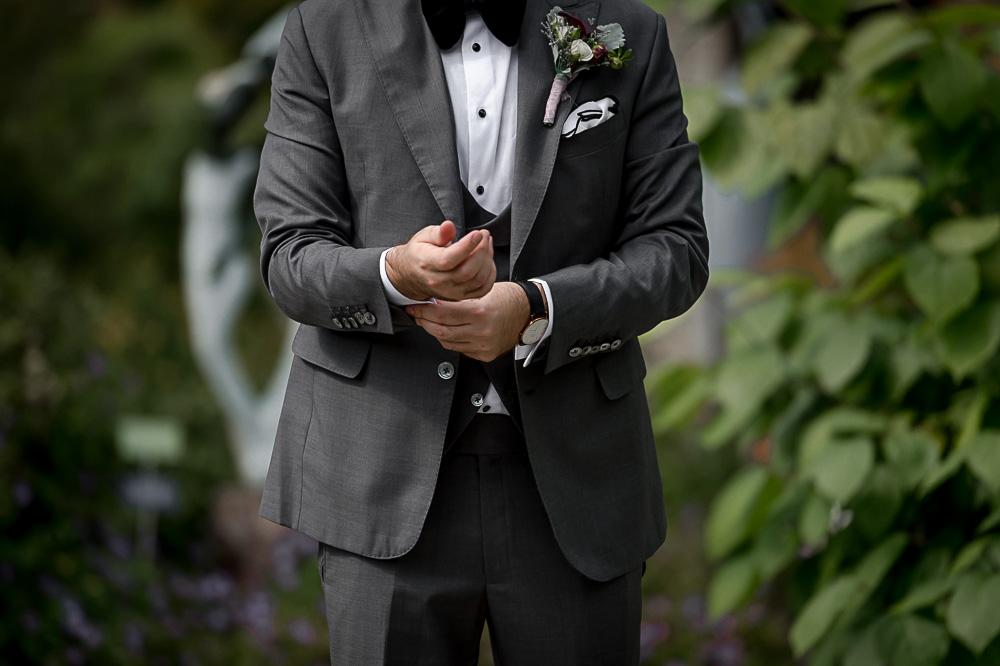 groom prep outside in Toronto