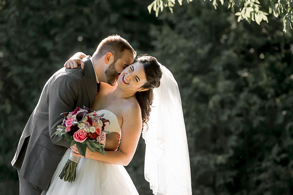 bride groom at Botanical Gardens