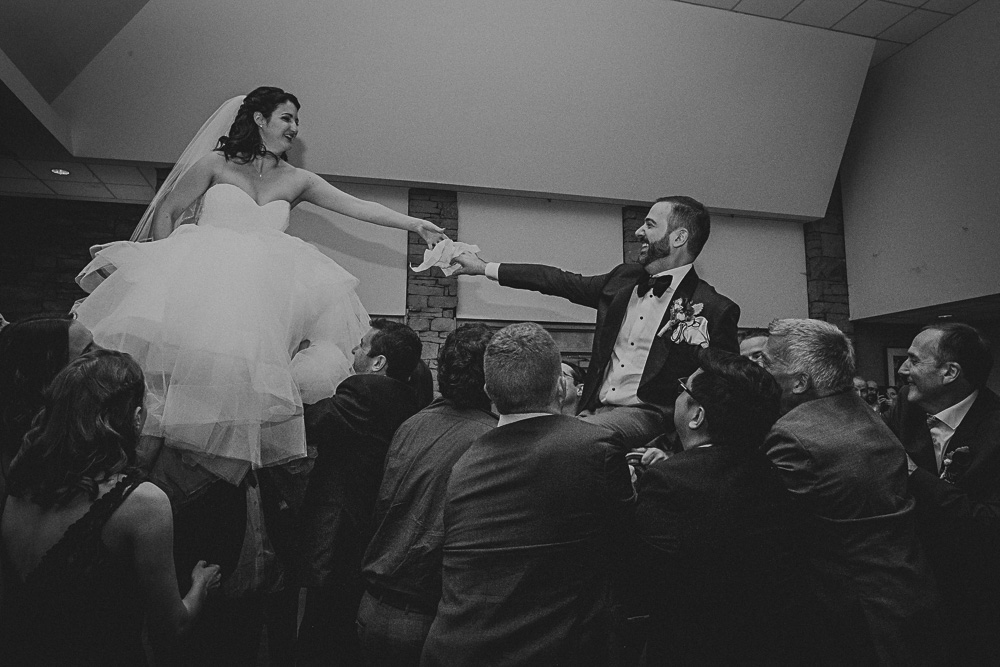 the hora jewish dance at reception